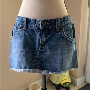 3/$20 Roxy denim distressed skirt 9